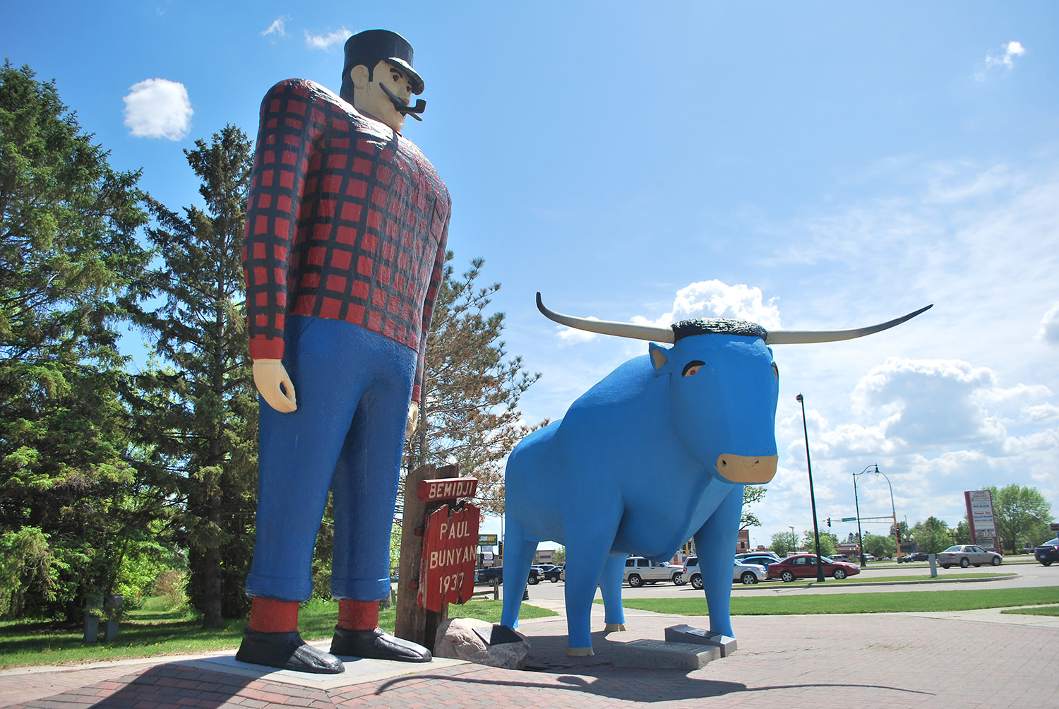 Paul Bunyan and Babe the Blue Ox in Bemidji, Minnesota, erected in 1936